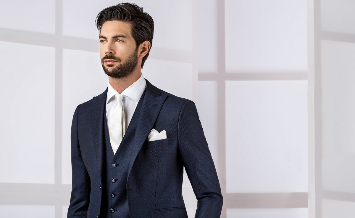 Summer Wedding Suits: Styles and ideas for the groom