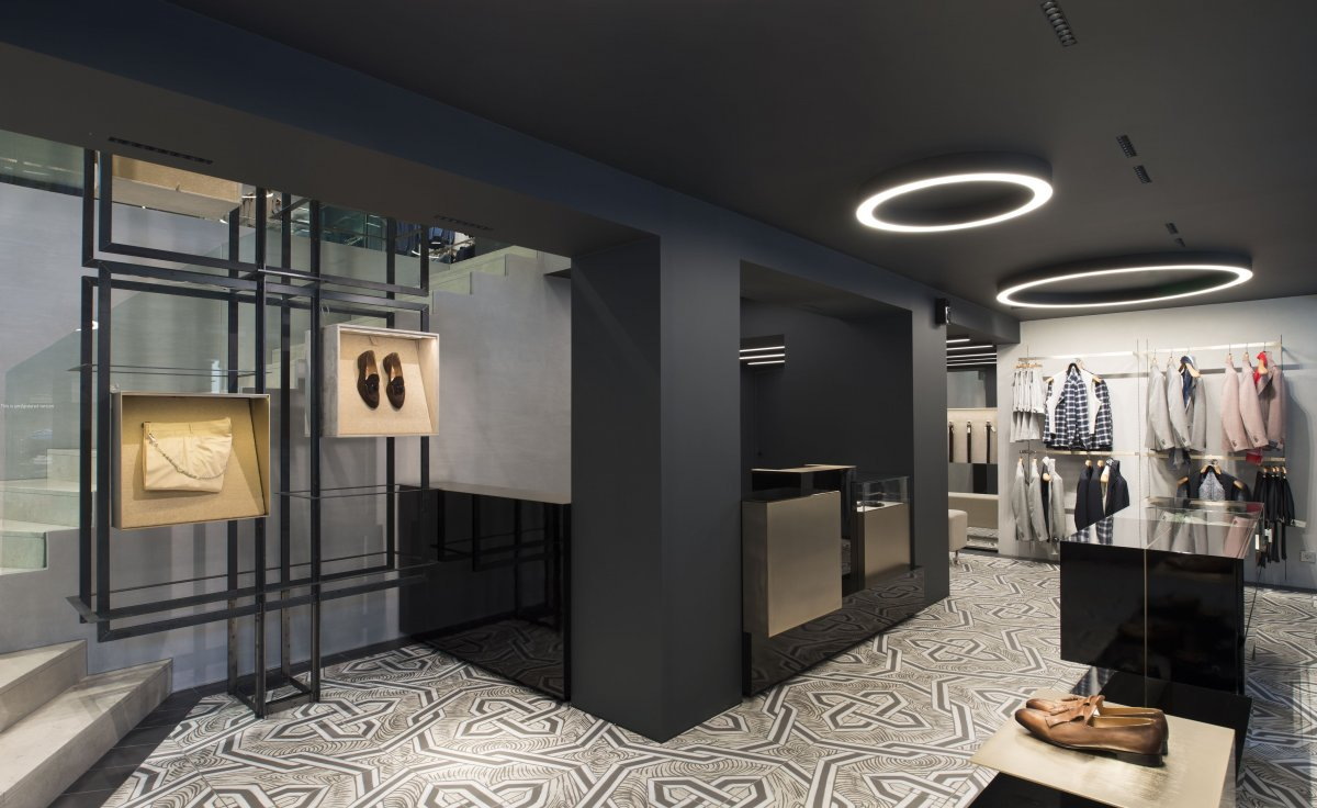 Restyling of the Athens flagship store